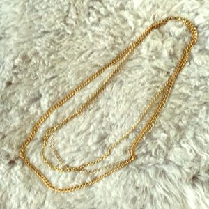 Jewelry - Three-chain gold necklace